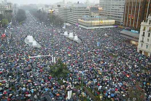Multitudinaria manifestación en Madrid el 19 de marzo de 2004. (Foto: Kike Para)